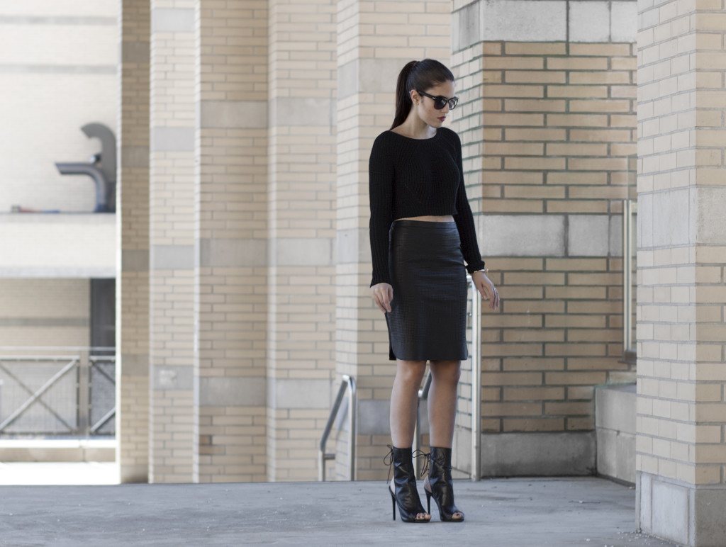 perforated-skirt-street-style2