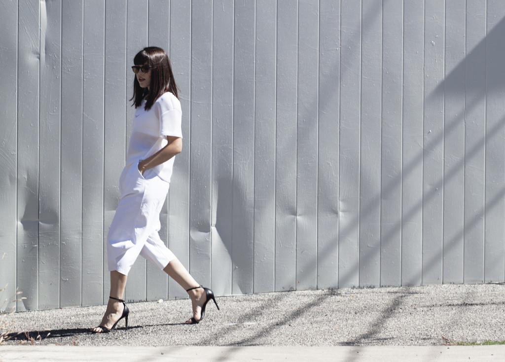 white-culottes-nike-sports-bra