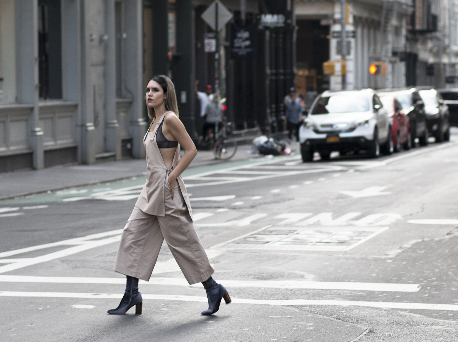 cos-jumpsuit-streetstyle-5